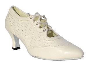 "6823 Creamy White Leather with 2.5"" low heel in the photo"