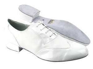 "M100101 White Patent_White Leather with 1"" Heel in the photo"